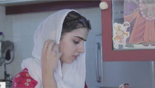 What happen when lady is reading hanuman chalisa
