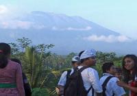 ज्वालामुखी फटने के डर से 75000 लोगो ने घर छोड़ा