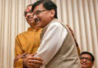 महाराष्ट्र: सरकार बनते ही संजय राउत ने ली बीजेपी नेताओं की चुटकी